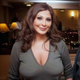 Elissa-hot-sexy-breasts-167a9f70f24839a322