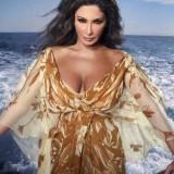 Elissa-hot-sexy-breasts-2
