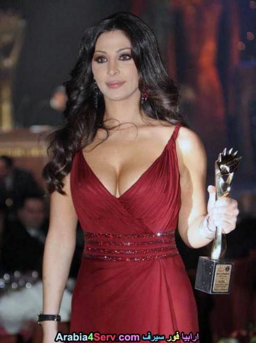 Elissa-hot-sexy-breasts-4.jpg