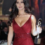 Elissa-hot-sexy-breasts-4