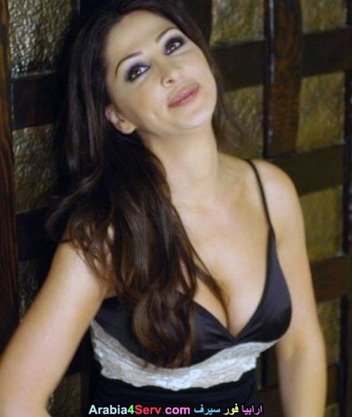 Elissa-hot-sexy-breasts-609ae7db3109b3b60.jpg