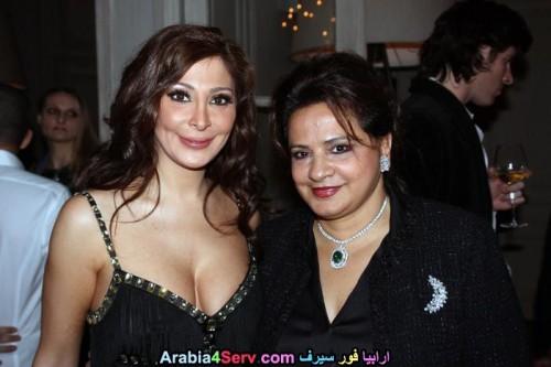 Elissa-hot-sexy-breasts-8d0f6deb3dcfe11b5.jpg