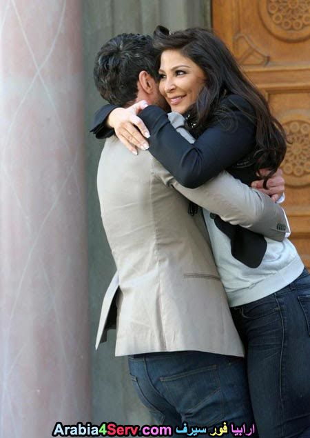elissa-kisses-hugs-romantic-11.jpg