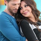 elissa-kisses-hugs-romantic-3